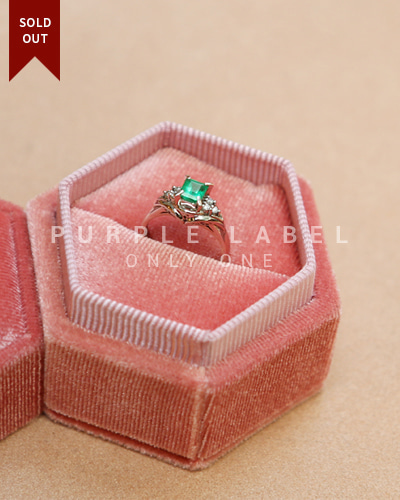 [Purple LABEL #20] PT 900 Princess Emerald Ring